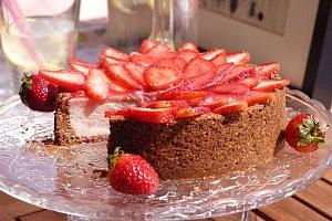 Obrázek - Cheesecake se Sušenkovou Krustou a Čerstvým Ovocem