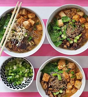 Obrázek - Miso Polévka se Soba Nudlemi a Pečeným Tofu