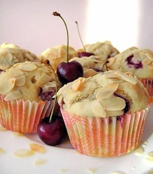Obrázek - Třešňové Muffiny s Mandlemi